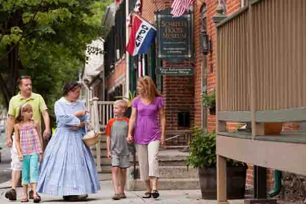 American Stories Historic Walking Tours & Programs