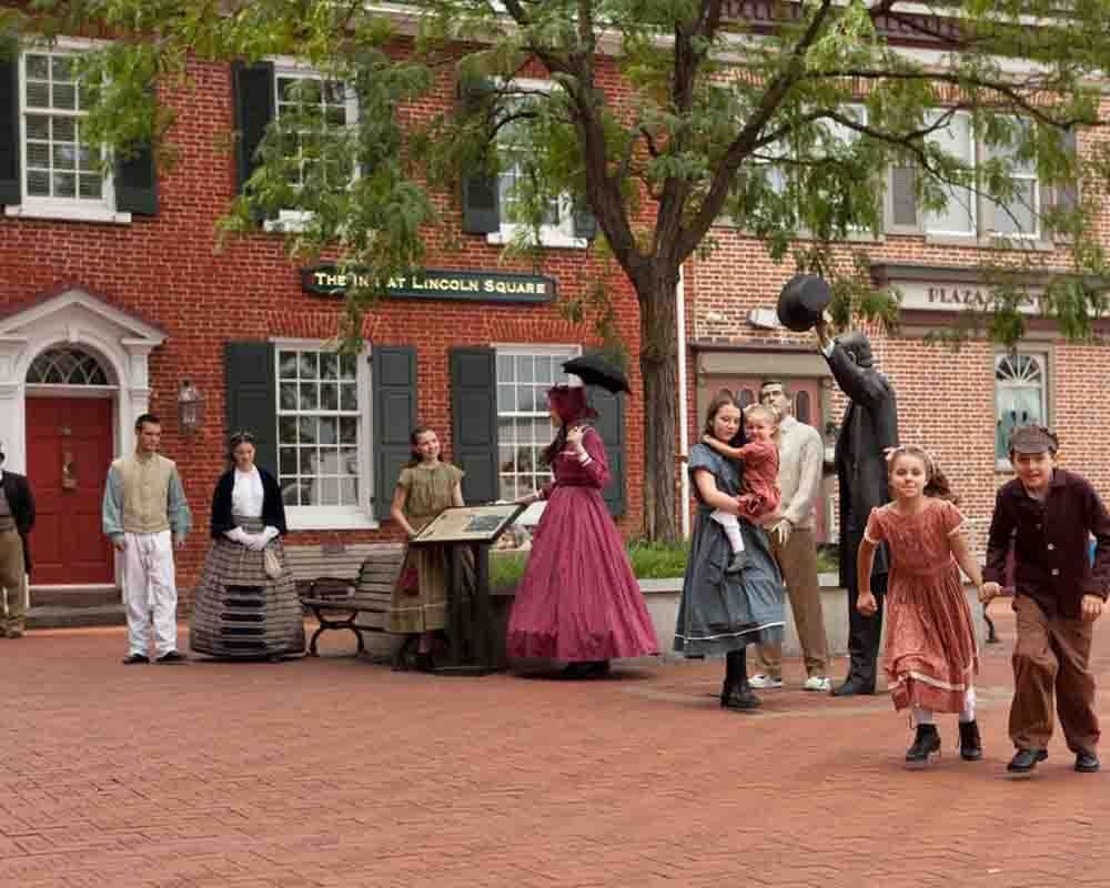 historic-downtown-walking-tour-m