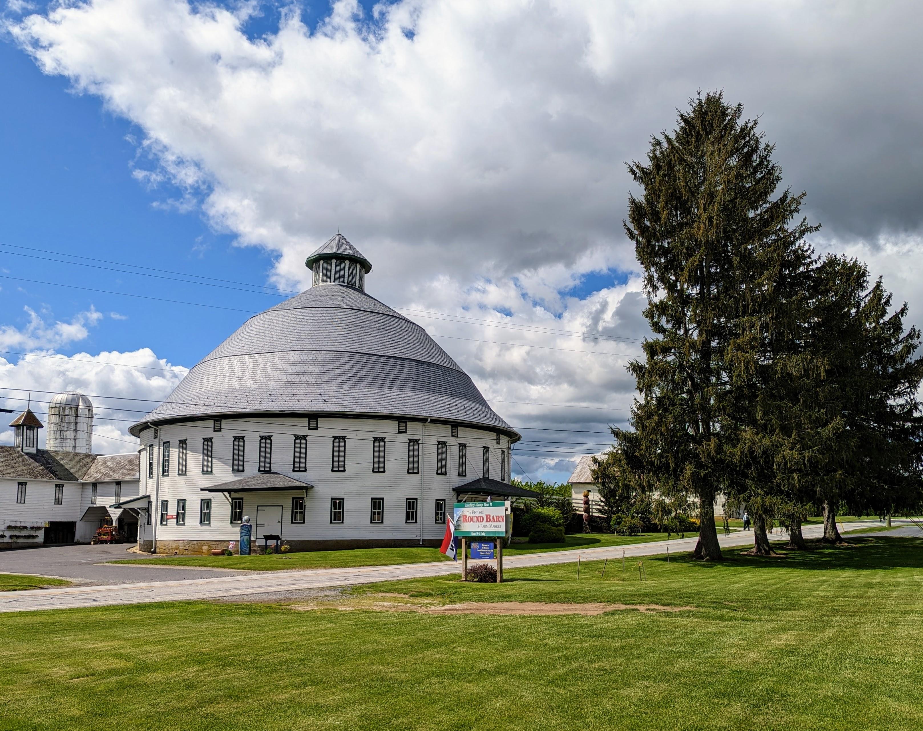historic-round-barn-m